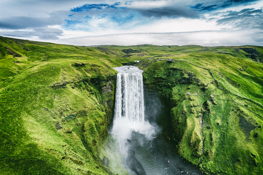 Cascade Skogafoss en Islande lors de votre road trip